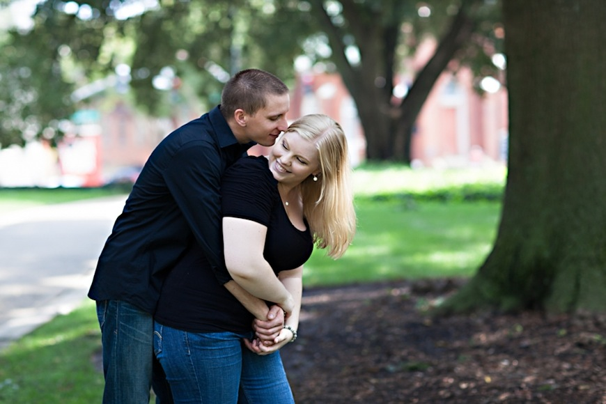 Read more about the article Raleigh Engagement Photographer | Lindsay + Andrew