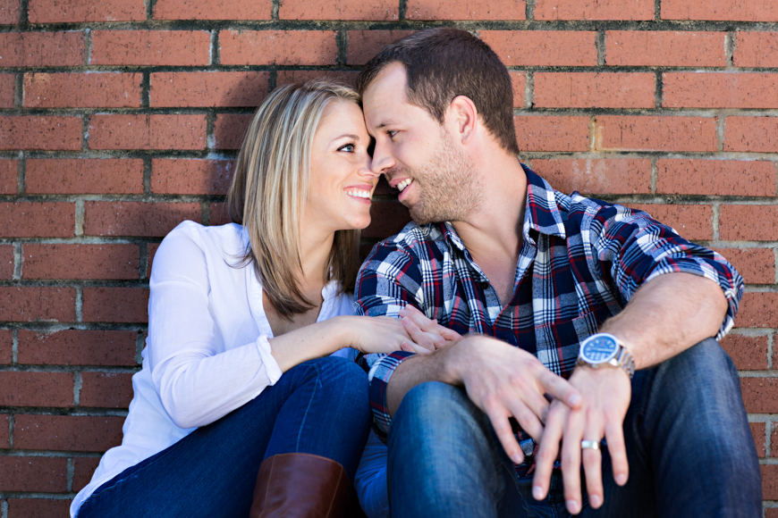 Read more about the article Raleigh Portrait Session | Jennifer + Ken