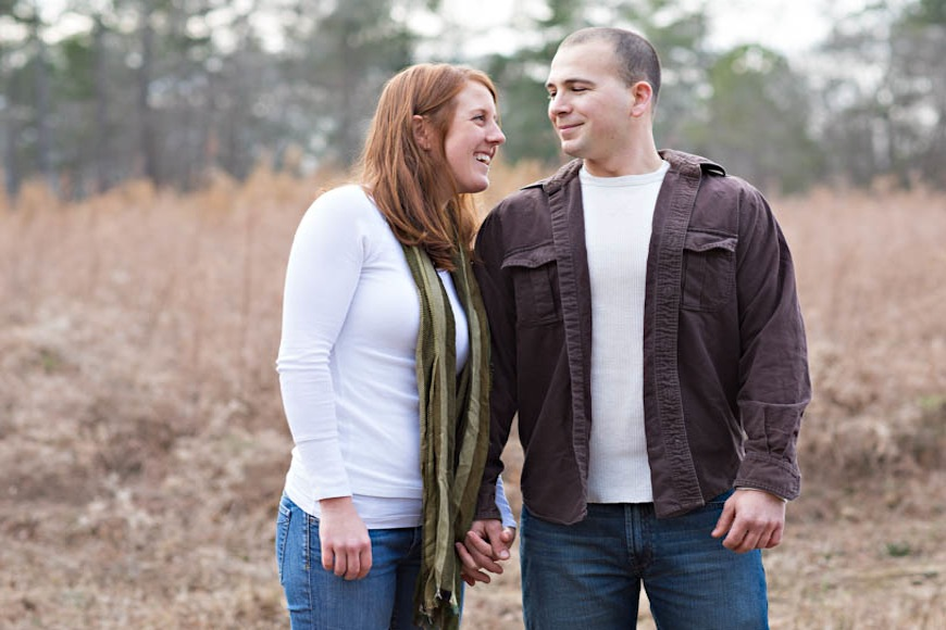 Read more about the article Chapel Hill Carriage House Engagement | Alison + Neil
