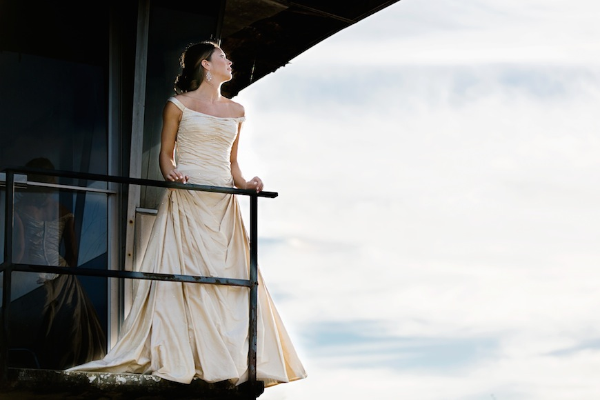 Read more about the article Stunning Downtown Raleigh Bridal Session | Erica