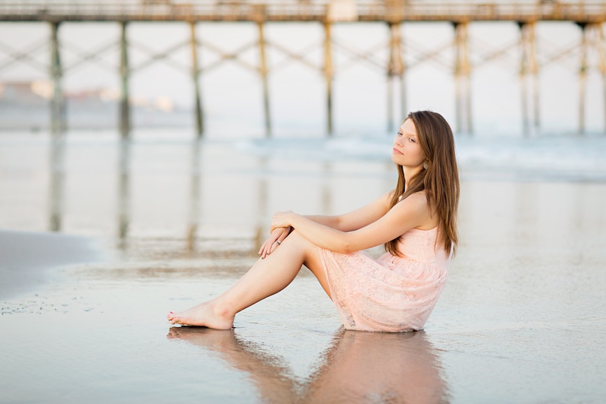 Read more about the article Senior Session at Topsail Beach | Kayla