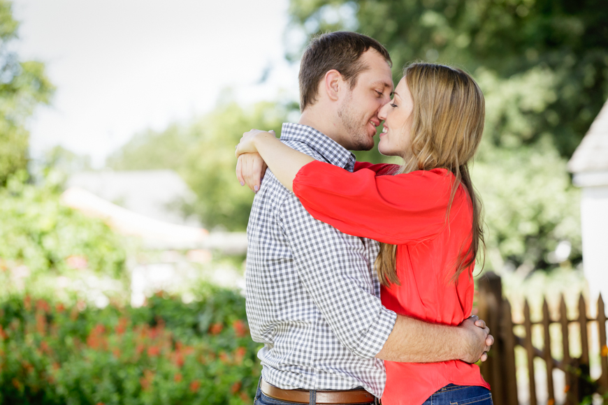 Read more about the article Mordecai Park Engagement Session | Barbara + Ryan