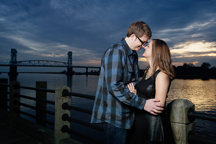 Read more about the article Downtown Wilmington Engagement Photos | Maggie & JB