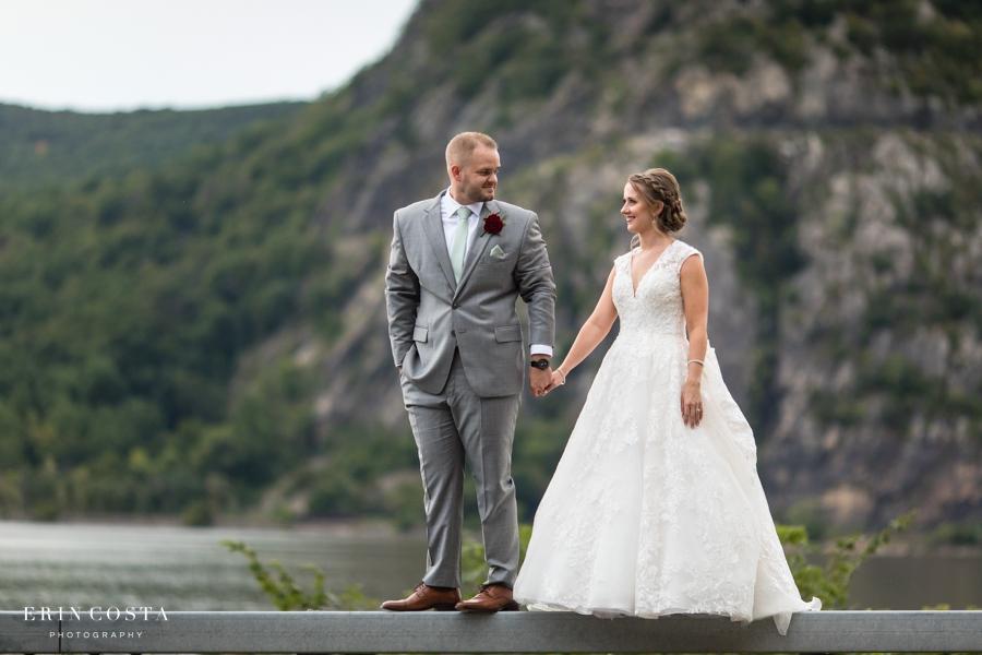 Chalet on the Hudson Wedding Photos | Melissa & Roger